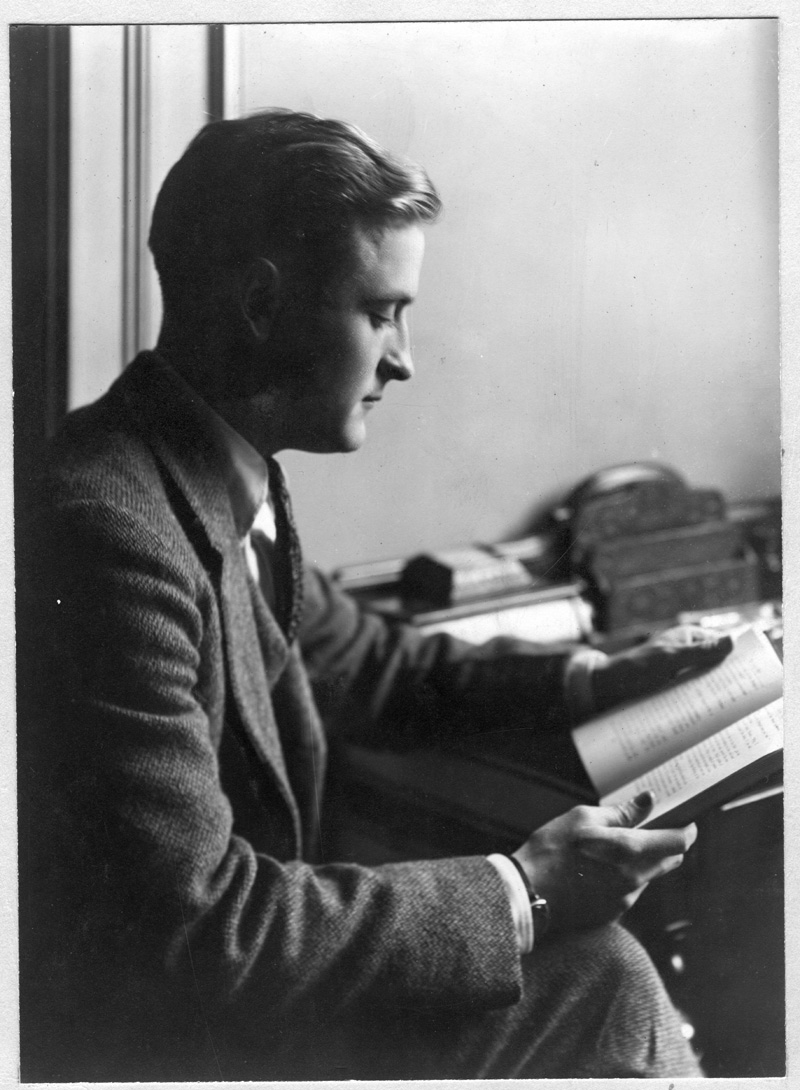 f scott fitzgerald writing techniques F scott fitzgerald on writing  reaction to him reveal much about his writing techniques, artistic wisdom, and life  f scott fitzgerald continues to captivate.