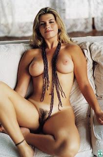 sexo intenso mulheres totalmente pelada