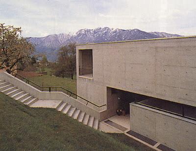 Architectures suisses valerio olgiati luigi snozzi for Agence architecture suisse