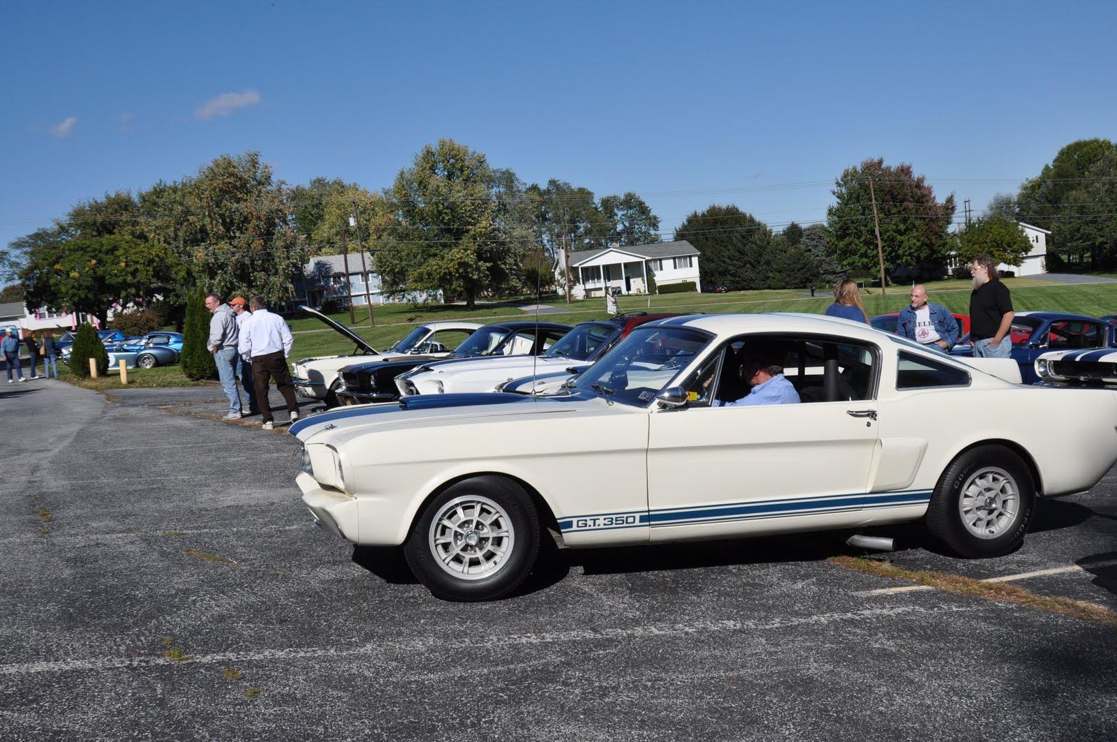 Virginia classic mustang blog northeast regional saac meet lots of cool cars in the parking lot fandeluxe Images