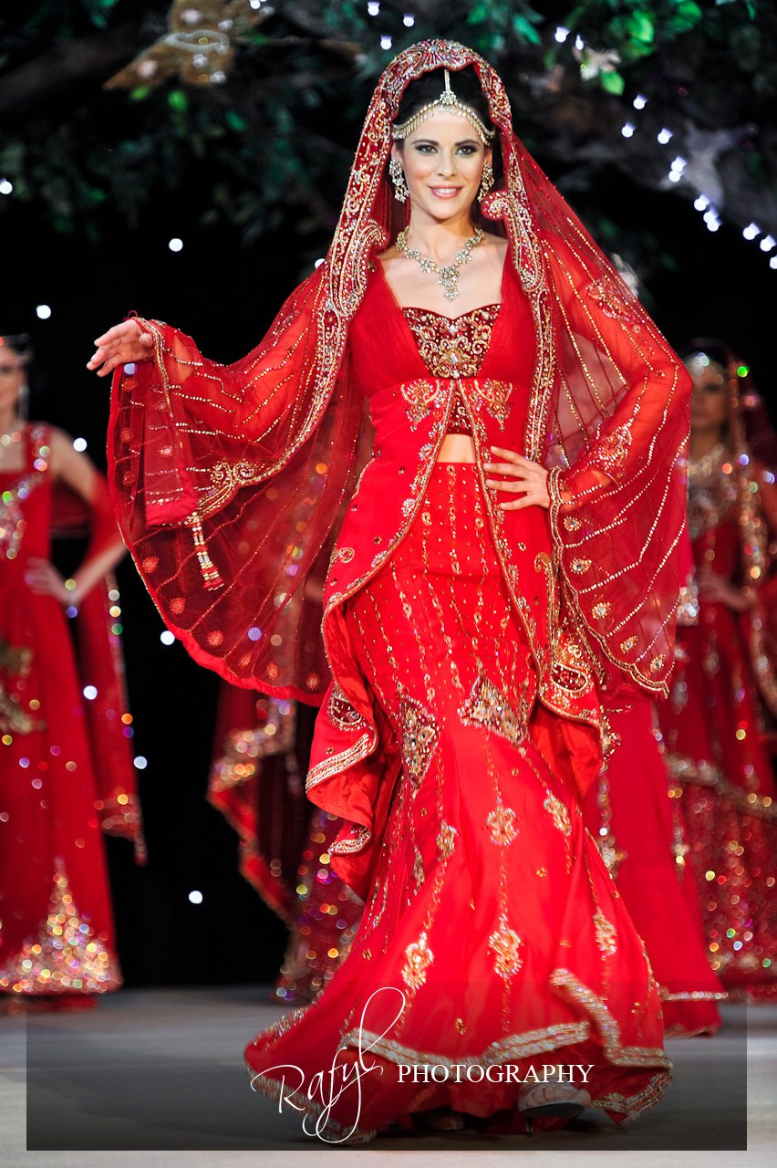 Asian fashion blog roshans at the 2011 asiana bridal show for Asian red wedding dresses