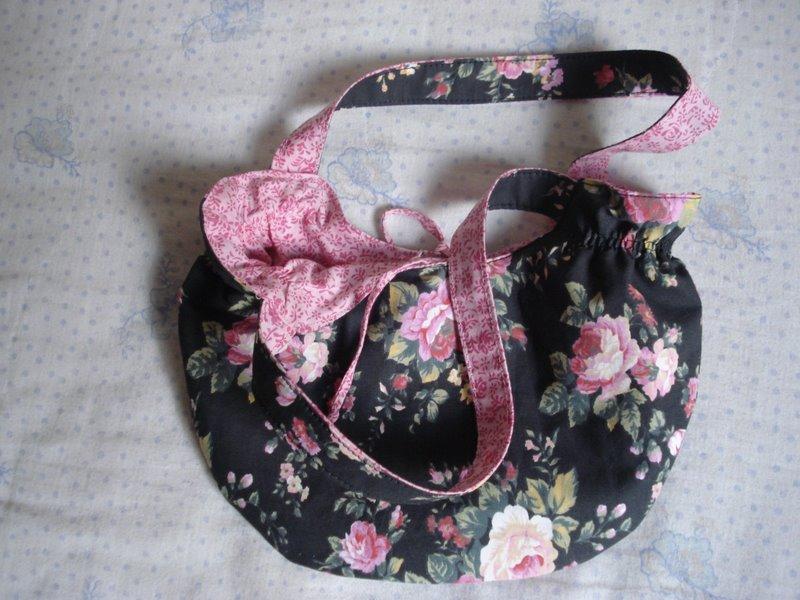 Bolsa Azul Escuro com Rosas - Modelo 2