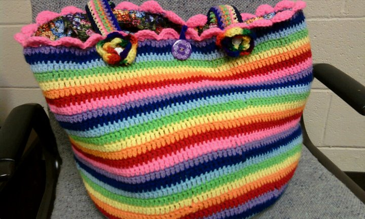 Crochet Bag And Pattern : Cheryls Items of Interest: Crocheted Rainbow Bag