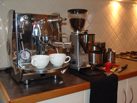 Coffee Makers At Home Outfitters : Designs of my Mod-Artsy Apartment: The Culture of the Cafe