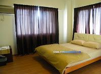特大号床和单人床