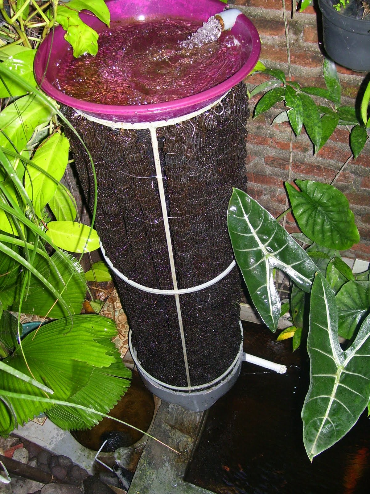 Lukman arif wijaya trickle tower the perfect biological for Biological pond filter
