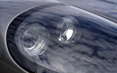 Aston 1 James Bond Aston Martin Vanquish V12 Replica   Based On Ford Mustang Photos