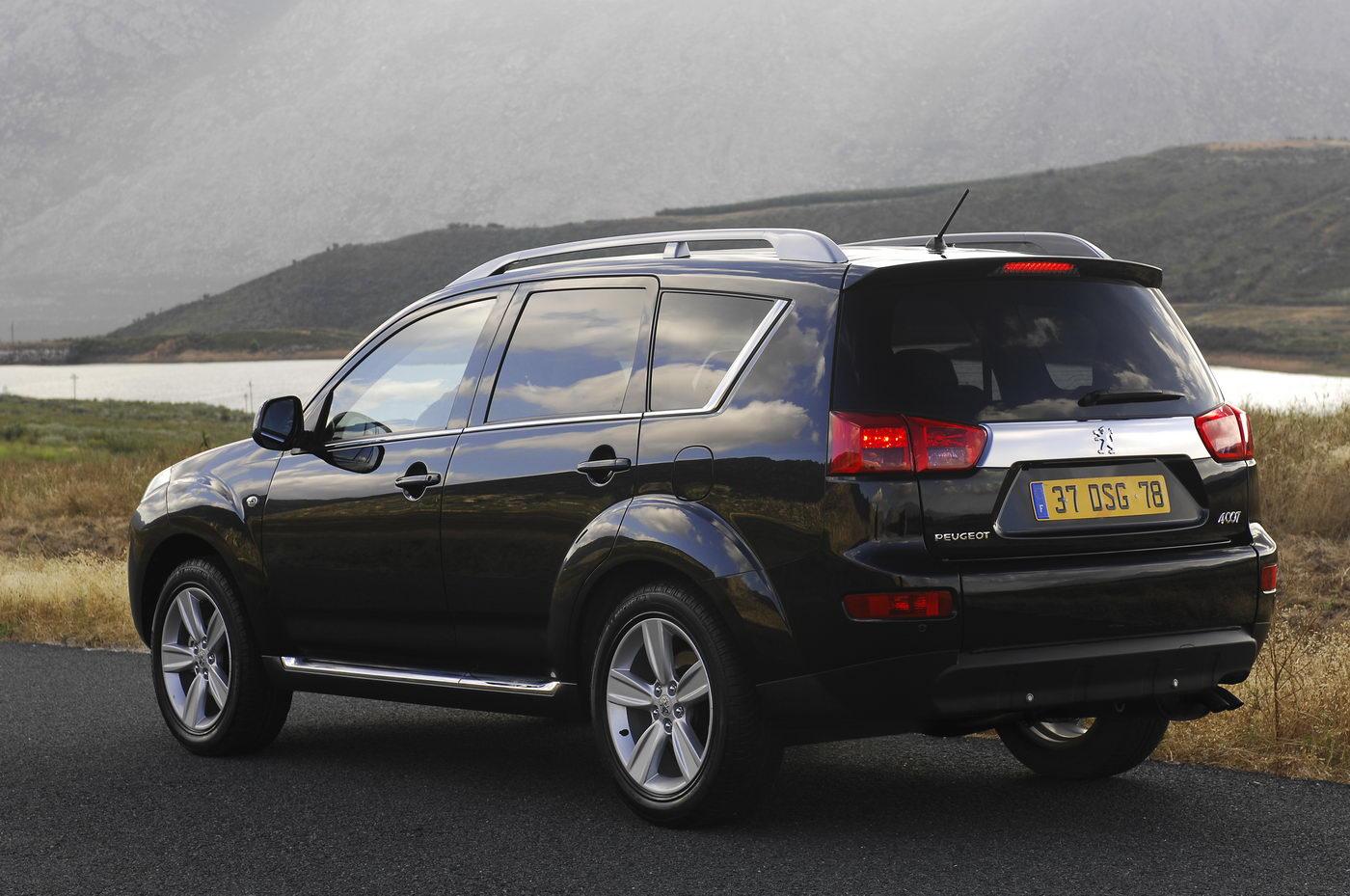 "Carscoop Peugeot 4007 107 Geneva Preview: Peugeot 4007 SUV & 4007 ""Holland&Holland"" Concept"