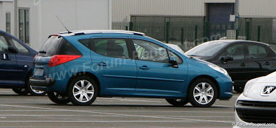 Carscoop 207 5 Peugeot 207 SW production version caught out in the open