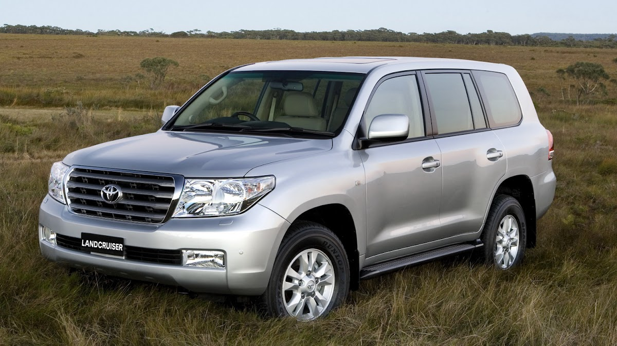 2008 toyota land cruiser v8 petrol diesel high res images press release