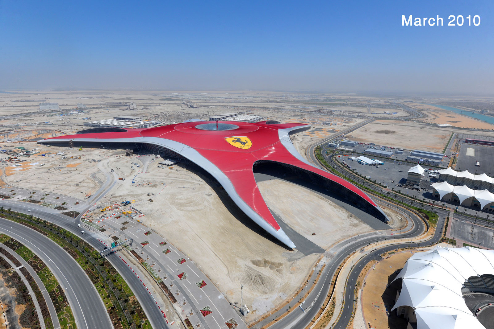 ferrari world abu dhabi opens in october formula rossa rollercoaster unveiled with videos. Black Bedroom Furniture Sets. Home Design Ideas