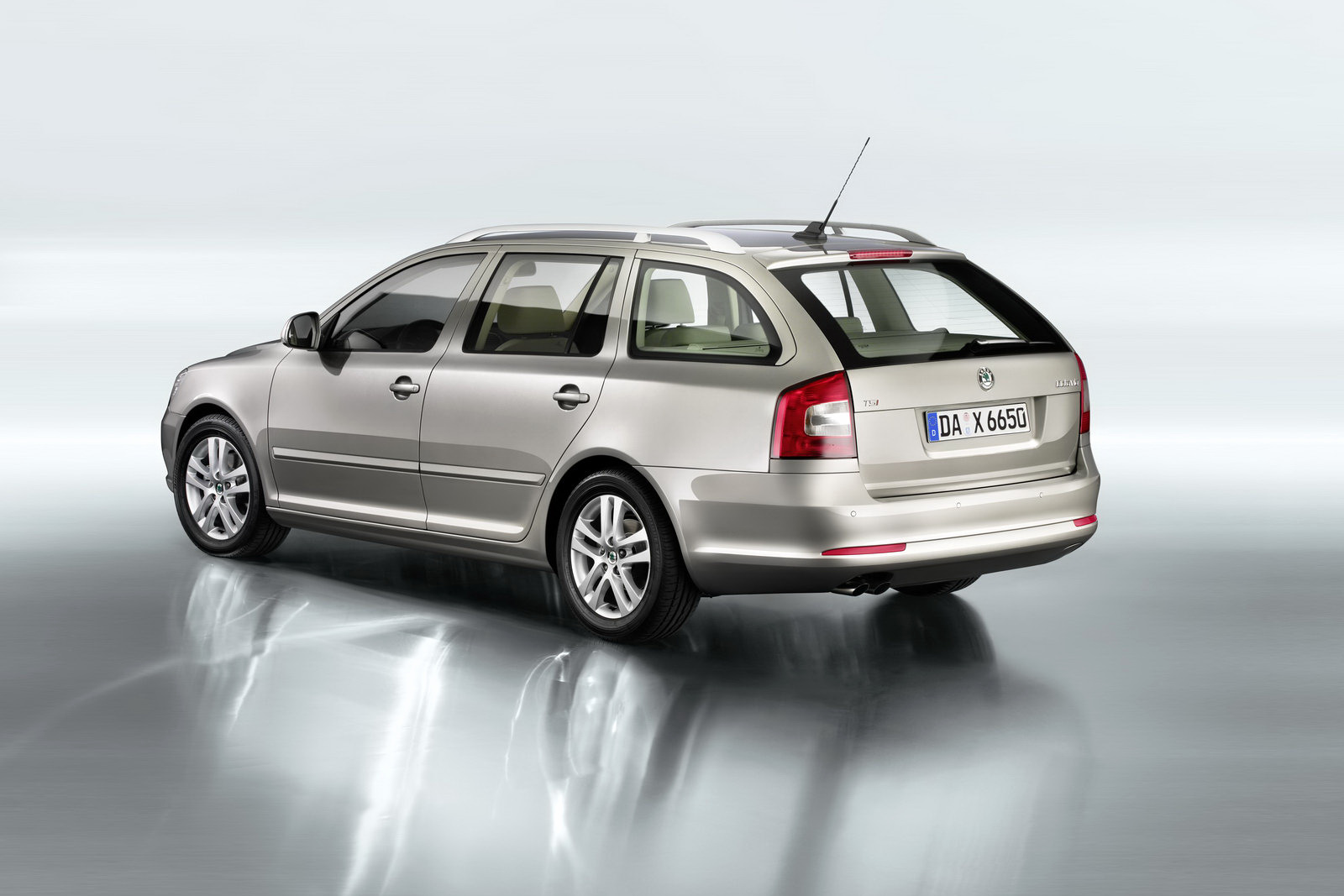 skoda powertrain updates for 2011my octavia yeti and superb. Black Bedroom Furniture Sets. Home Design Ideas