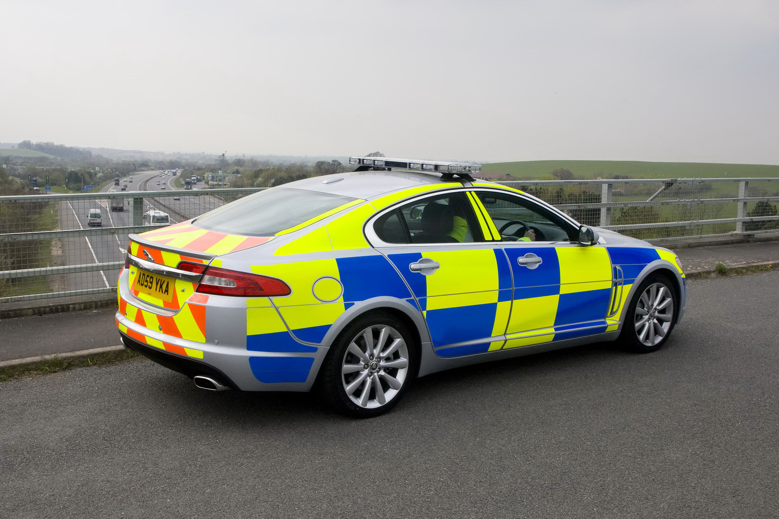 first jaguar xf police cars go on duty in the uk. Black Bedroom Furniture Sets. Home Design Ideas