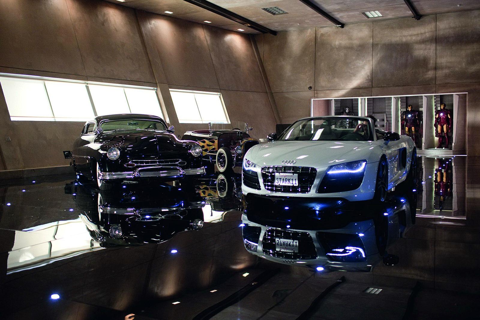 http://1.bp.blogspot.com/_FoXyvaPSnVk/S9hRQvx0YrI/AAAAAAACysE/X9Ri3ao4Fog/s1600/Iron-Man-2-Audi-R8-Spyder-7.jpg