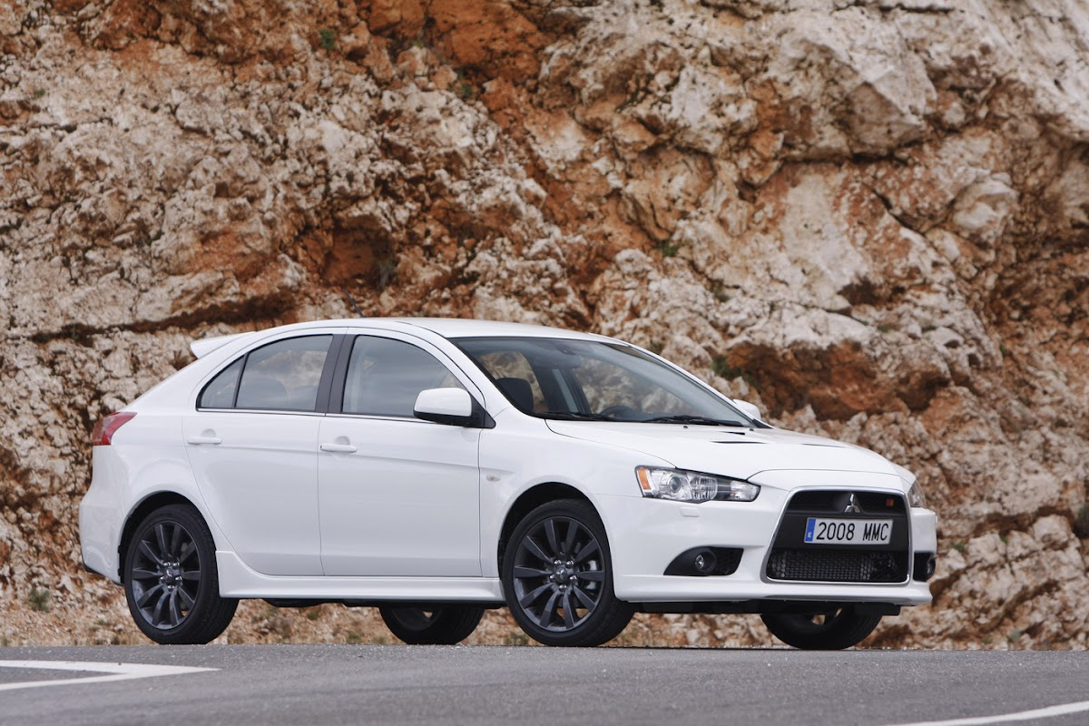 Mitsubishi Lancer Sportback and Ralliart 41 HighRes Photos