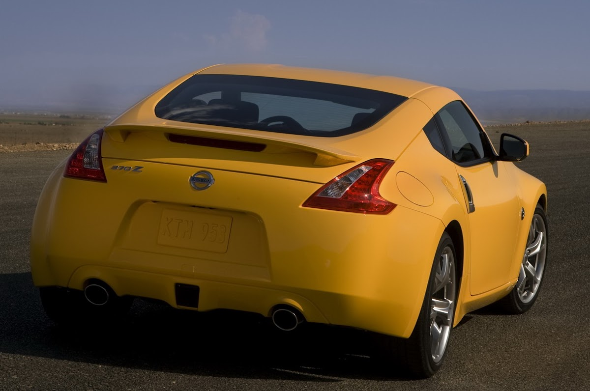 2009 nissan 370z goes on sale in the us priced from 29930 2009 nissan 370z vanachro Image collections