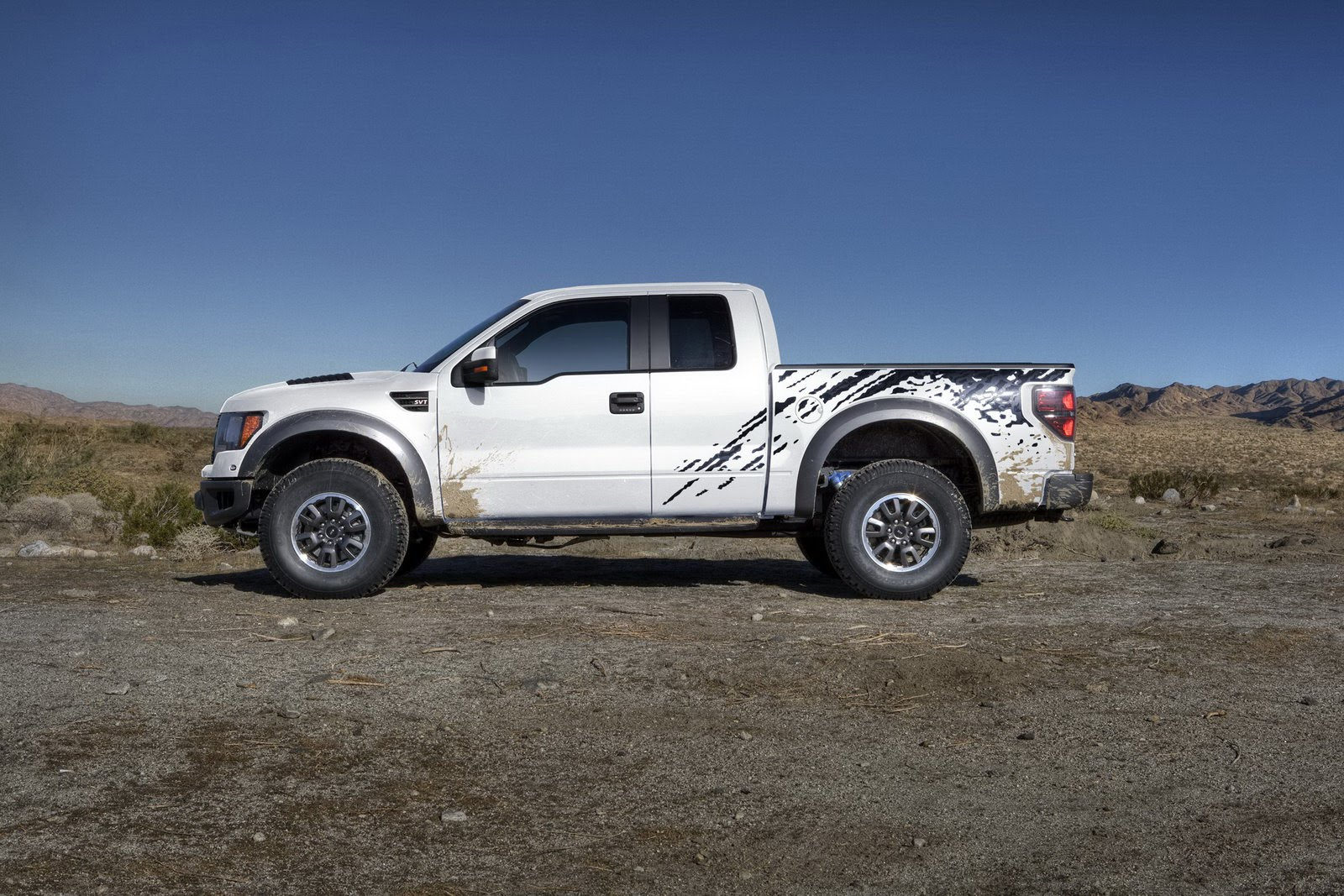 Ford Receives Over 3 000 Orders For 411hp F 150 Raptor 6 2