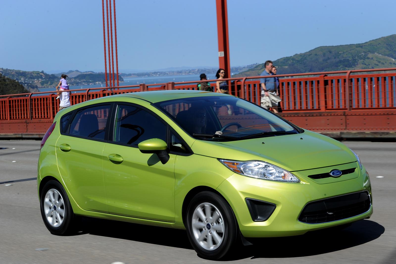 http://1.bp.blogspot.com/_FoXyvaPSnVk/S_H0M47-lTI/AAAAAAAC3AQ/EXVCGYbBqRI/s1600/2011-Ford-Fiesta-10.jpg