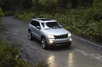2011 Jeep Grand Cherokee 4 Jeep Releases New Photos and Video of 2011 Grand Cherokee Photos Videos