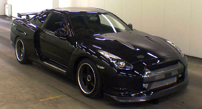 carscoop nissan skyline gt r r34 with r35 fascia stud or. Black Bedroom Furniture Sets. Home Design Ideas