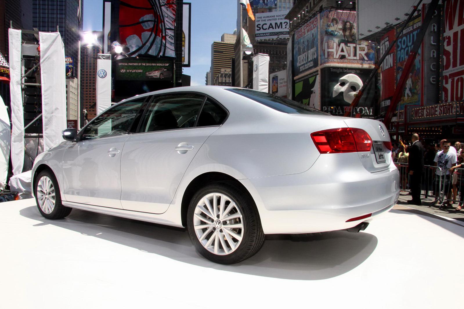 http://1.bp.blogspot.com/_FoXyvaPSnVk/TBlbx8VGDCI/AAAAAAAC9_U/KLR_rhGRVRE/s1600/2011-Volkswagen-Jetta-New-York-12.jpg