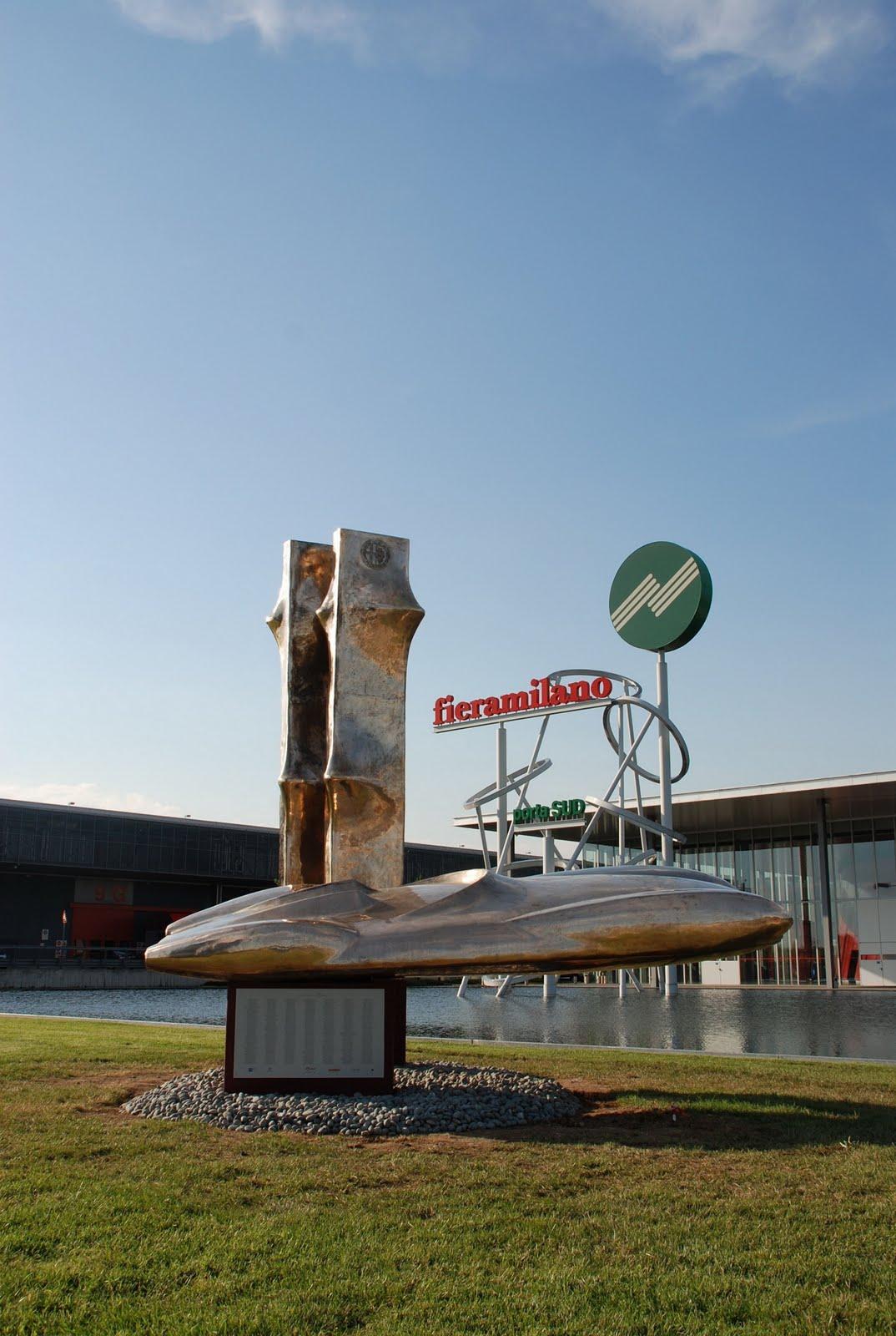 http://1.bp.blogspot.com/_FoXyvaPSnVk/TCOX8zWsmCI/AAAAAAAC_r4/iFTDjv_H1u8/s1600/Alfa-Romeo-Disco-Volante-Sculpture-2.jpg