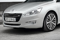 2011 Peugeot 508 5 New Peugeot 508 Officially Unveiled gets HYbrid4 Variant with 200HP and AWD