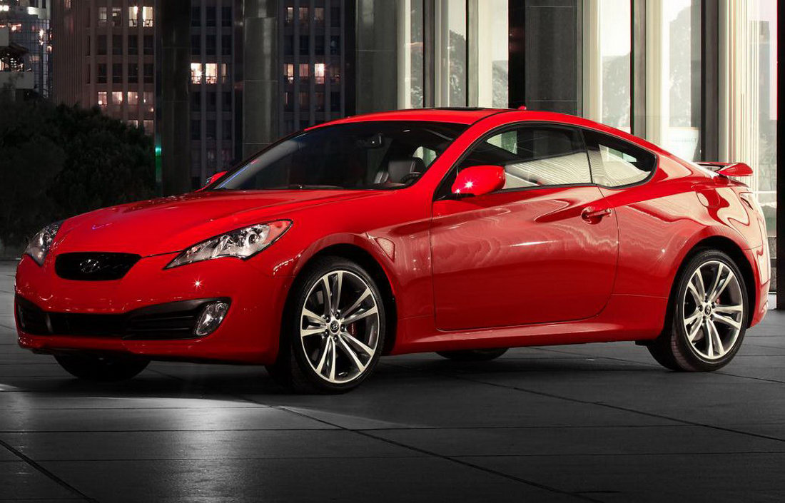 2011 hyundai genesis coupe receives interior refinements and new 3 8 v6 r spec model carscoops. Black Bedroom Furniture Sets. Home Design Ideas