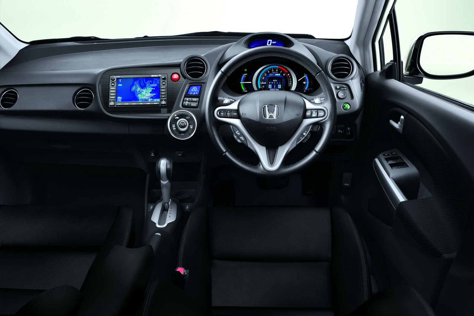 http://1.bp.blogspot.com/_FoXyvaPSnVk/TERTAbiRRMI/AAAAAAADFpM/5c13KZNzrYk/s1600/2011-Honda-Insight-3.jpg