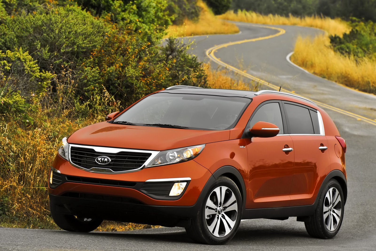 2011 kia sportage pricing released starts from 18 990 carscoops. Black Bedroom Furniture Sets. Home Design Ideas