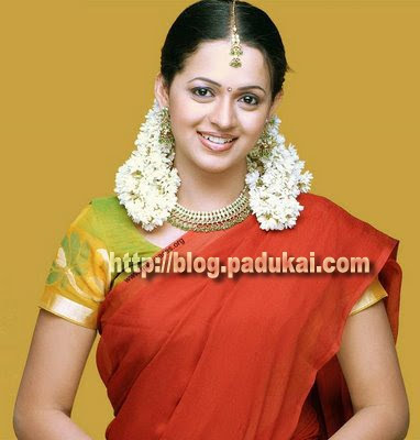 Homely actress Bhavana Lovely Smiling picture