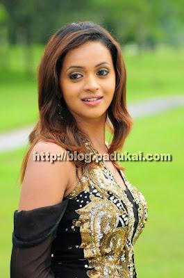 Tamil, Telugu, Malayalam Actress Bhavana Cute smiling pics