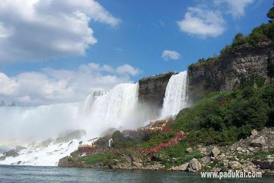 Beautiful Nature Falls Scenery Wallpaper