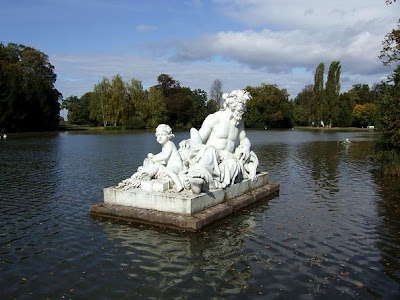 statue in Schwetzingen