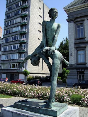 statue in Liège