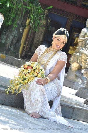 http://1.bp.blogspot.com/_FpC-eLEpDtM/S-z6BJ66j4I/AAAAAAAAccs/wzeAJX6Nyeg/s1600/Piymi+Shanika+Boteju_3_asiachicks.blogspot.com.jpg