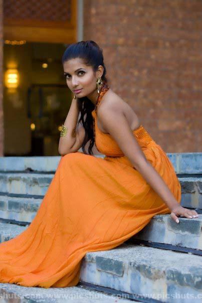 [Gamya_Prasadini_22_asiachicks.blogspot.vom.jpg]