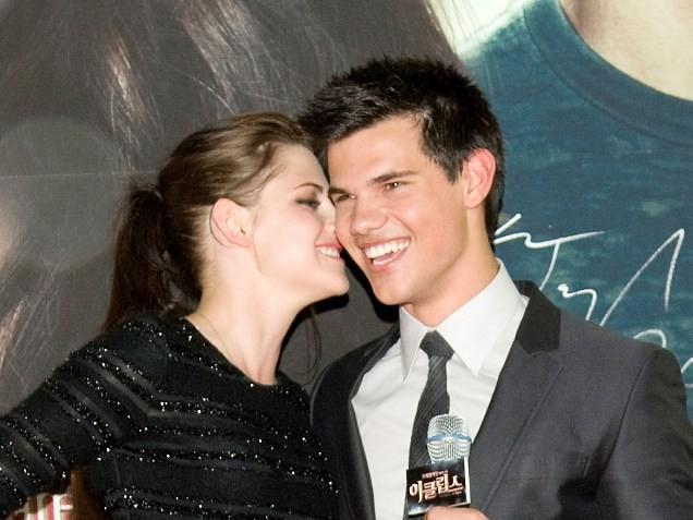 the days until Kristen Stewart finally locks lips with Taylor Lautner in