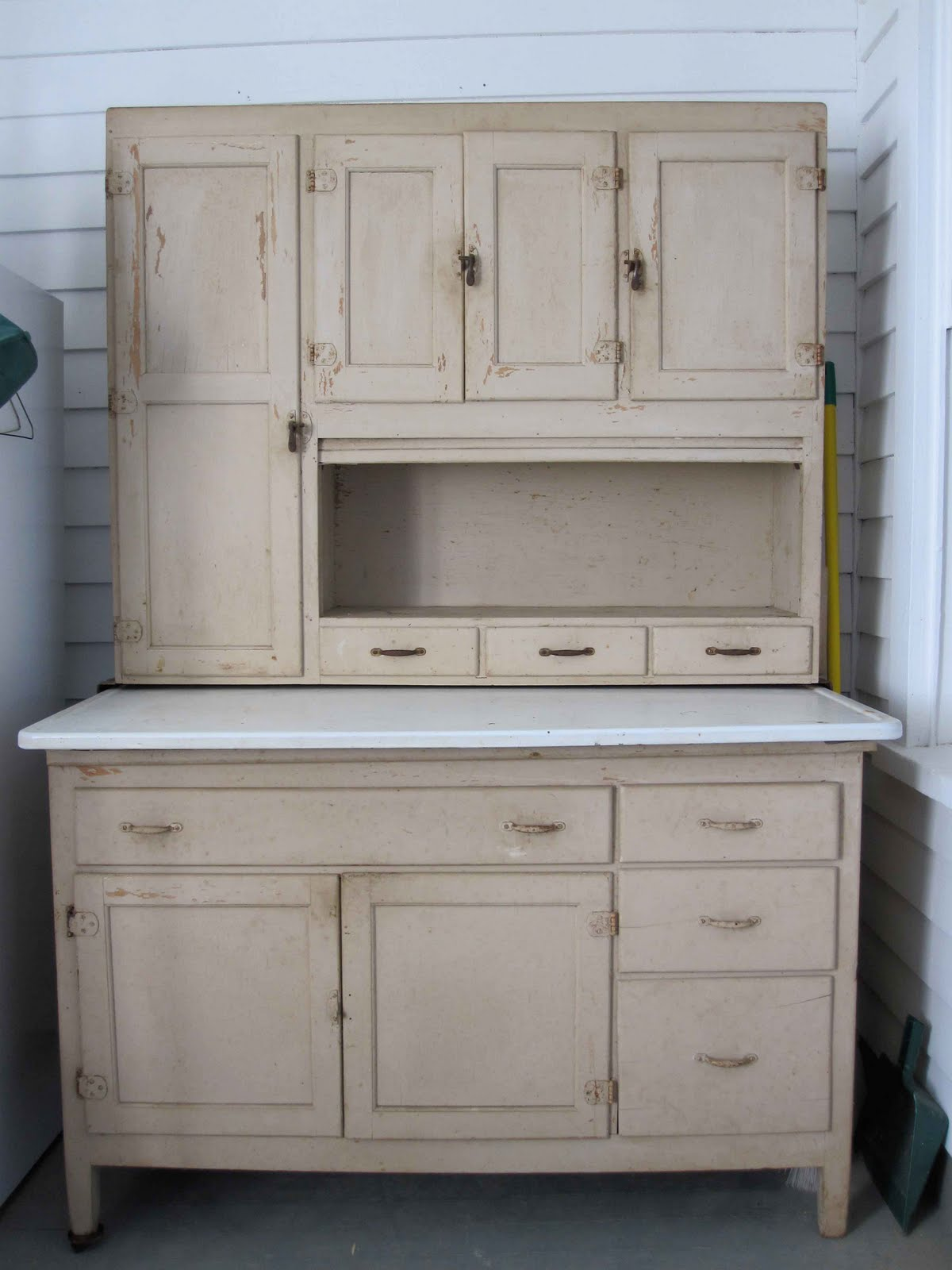 Captivating Old Mother Hubbardu0027s Cupboard
