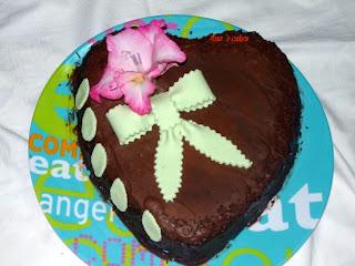 Articole culinare : Tort ciocolata cu funda