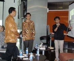 Fisika Batik, Upaya Memopulerkan Motif Batik