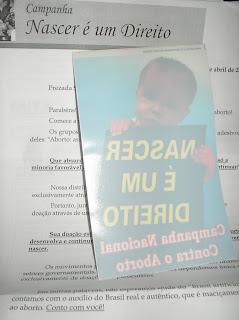 Brinde Gratis Adesivo 'Nascer é um Direito'