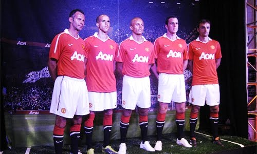 manchester united aon home shirt