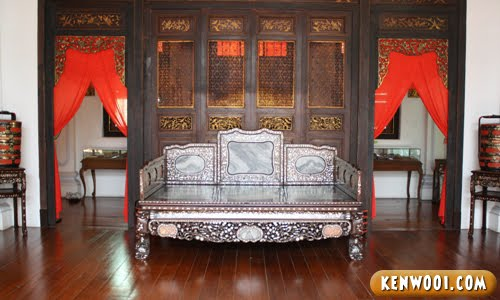 traditional wooden sofa bed