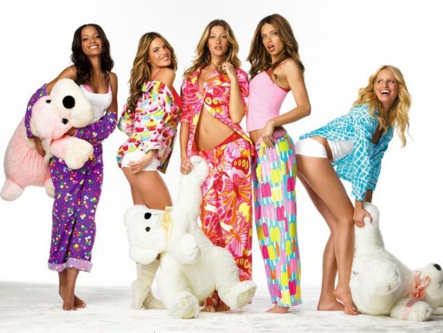 http://1.bp.blogspot.com/_FwyKS25oEOg/TT69Z0AxrMI/AAAAAAAABRI/tZOYj2IKe7Y/s1600/pijamas-tops1.jpg
