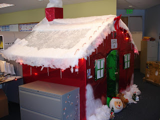 Christmas Cubicle Decorating Contest http://hbshakes.blogspot.com/2006