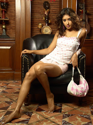 HOT ACTRESS SAMIKSHA  PICTURES