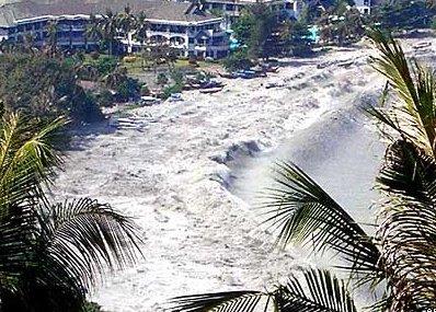 http://1.bp.blogspot.com/_FzOZRiDFuDs/TNVyz_L2YHI/AAAAAAAABBY/aA8exeNc9b8/s1600/3-Tsunami.jpg