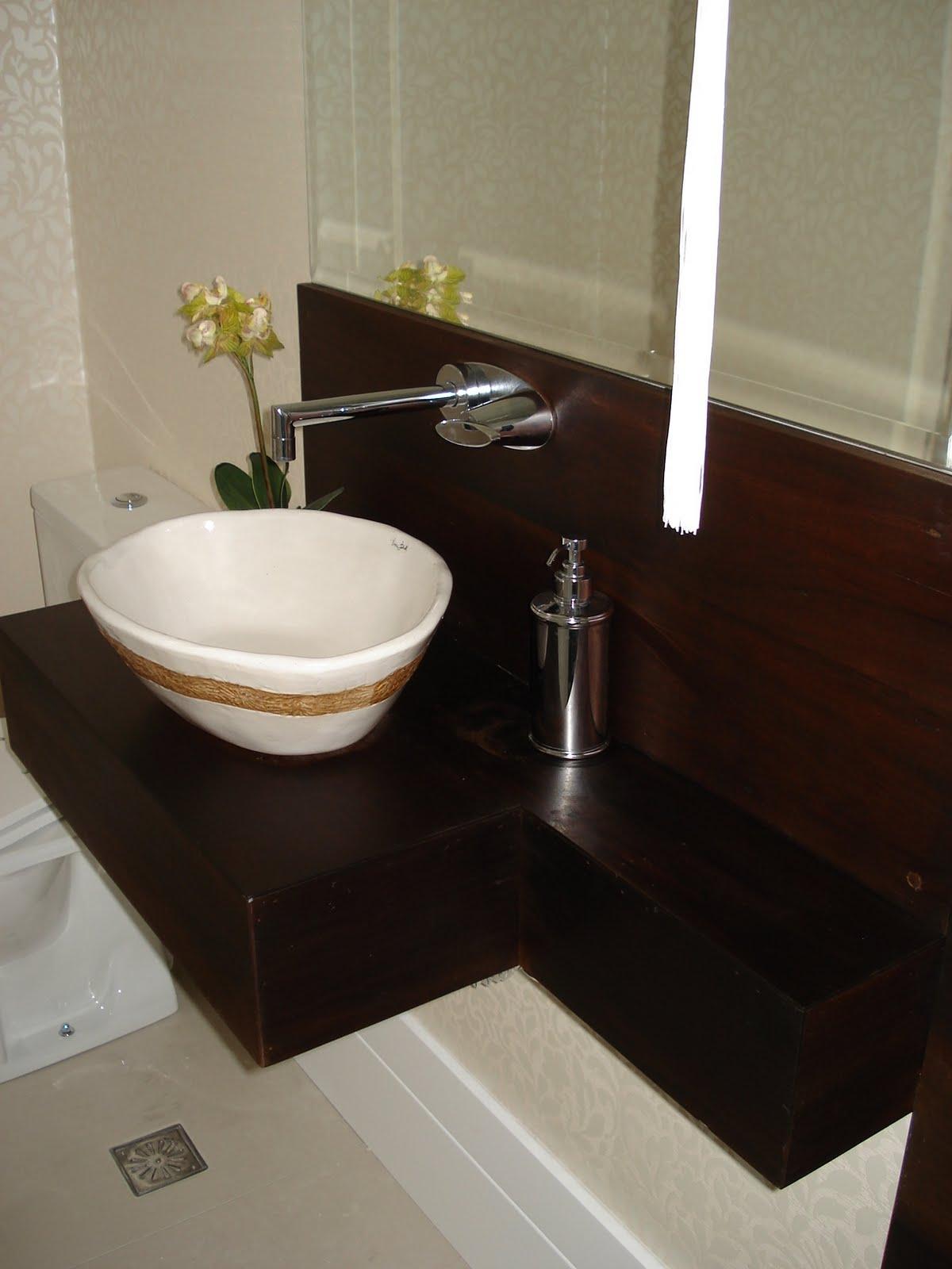 com a canela preta de demolição e aqui um fino acabamento Bancada  #1E130D 1200x1600 Banheiro Com Bancada Preta