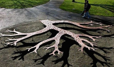 25 Unusual and Creative Benches